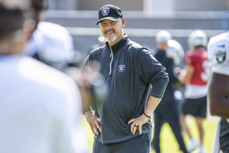 Raiders defensive coordinator Gus Bradley looks to his players during practice at the Intermoun ...